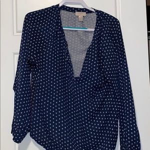 Navy blue blouse V cut front
